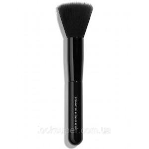 Кисть для основы CHANEL  PINCEAU ESTOMPE TEINT N°102 foundation blending brush