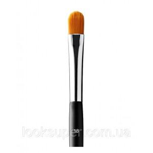Кисть для нанесения консилера  Anastasia Beverly Hills  Brush 18 – Precise Concealer Brush